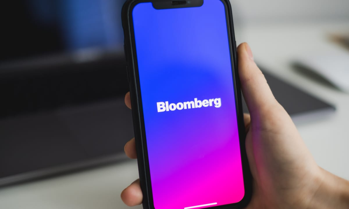 Why Choose React Native for Your Mobile App Like Bloomberg or AirBnB